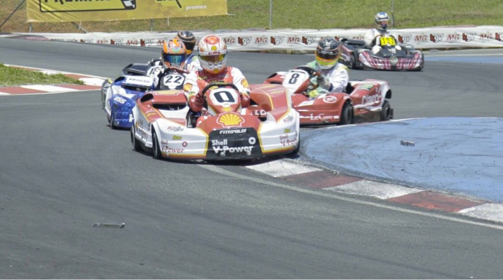 500 Milhas de Kart: Vivacqua anda entre os líderes e é destaque na primeira participação na prova